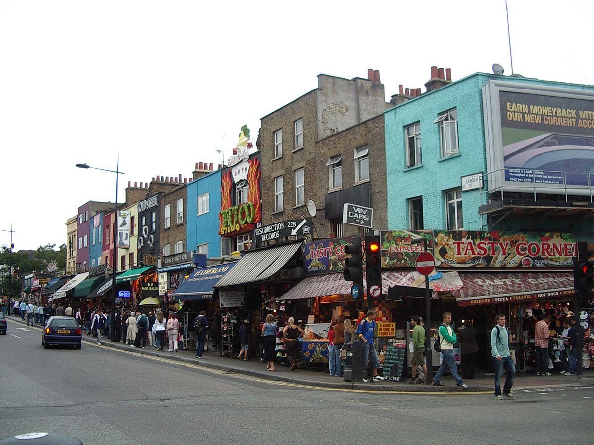 A london thoroughfare 2 am essay