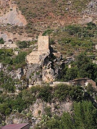 Alcara li Fusi - Torretta del vecchio Castello Turiano