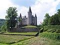 Celles (Houyet) - Château de Vêves (1).jpg