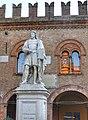 Cento... La statua del Guercino.jpg