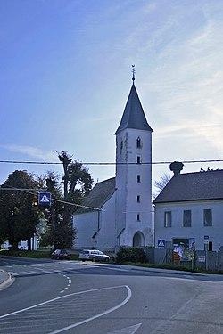 Cerkev sv. Martina v Martjancih.JPG