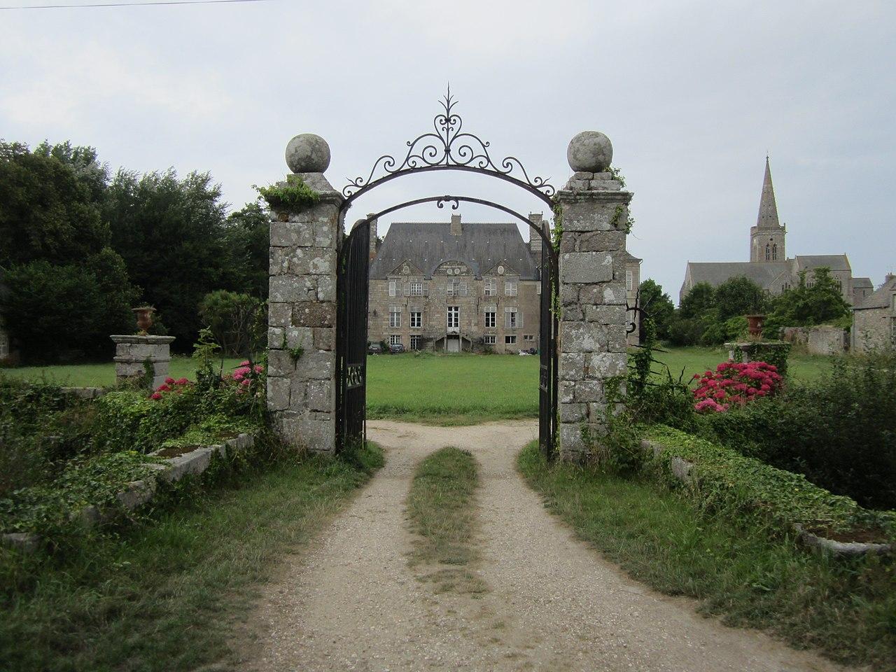 file ch teau de r ville chateau et grille d 39 entr e jpg wikimedia commons. Black Bedroom Furniture Sets. Home Design Ideas