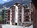 Chamonix-Mont-Blanc -- Le village piéton de Chamonix-Sud (Forclaz).JPG