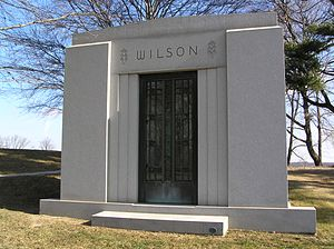 Charles Edward Wilson (businessman) - The mausoleum of Charles E. Wilson