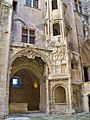 Chateau Tarascon - Cour d'honneur 2.jpg