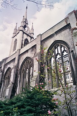 Church of St Dunstan in the East, 2001 (2).jpg