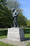 Churchill statue at Woodford Green by David McFall R.A. 03.jpg