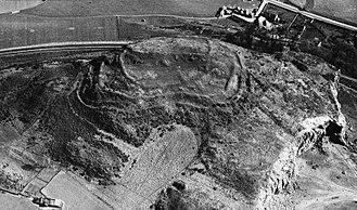 Clatchard Craig -  An aerial photograph of Clatchard Craig taken in 1932. (Royal Air Force)