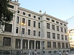 Colegio Público Luis Vives, Barcelona (1920-1923)