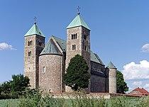 Collegiate Church in Tum.jpg