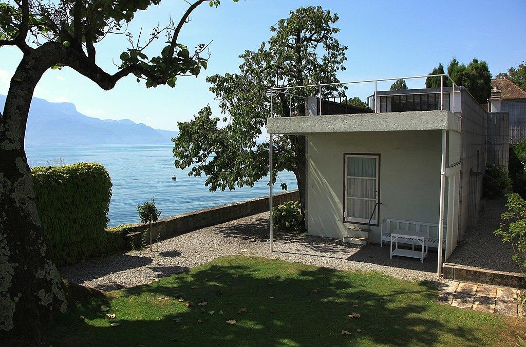 Le Corbusiers Villa Le Lac in Corseaux am Genfersee (Sehenswürdigkeit der Schweiz Rundfahrt)