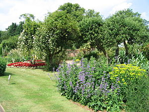 Cotswold Wildlife Park - Gardens