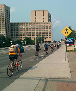 Cycling in Canada - Bicycle commuters in Ottawa