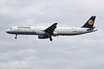 D-AIRC A321 Lufthansa (14600762870).jpg