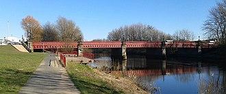 Dalmarnock - Image: Dalmarnock Bridge square 2016 03 07