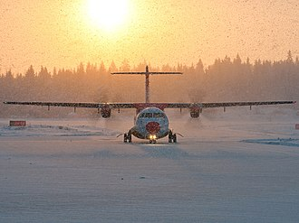 Danish Air Transport - Image: Danish Air Transport ATR 72 202 in heavy snow at Tampere