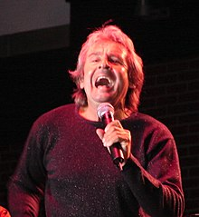 Davy Jones na koncertu v Geneva, Illinois (2006)