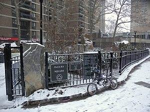 December 2010 North American blizzard - Manhattan as snowfall begins