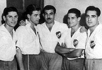 Atilio García - García with the rest of Nacional forwards, with whom he won 5 consecutive championships (1939-43).