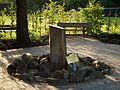 Denkmal für den Gründer des Wormser Tiergartens.JPG