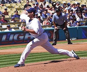 Derek Lowe - Lowe pitching for the Los Angeles Dodgers in 2006.