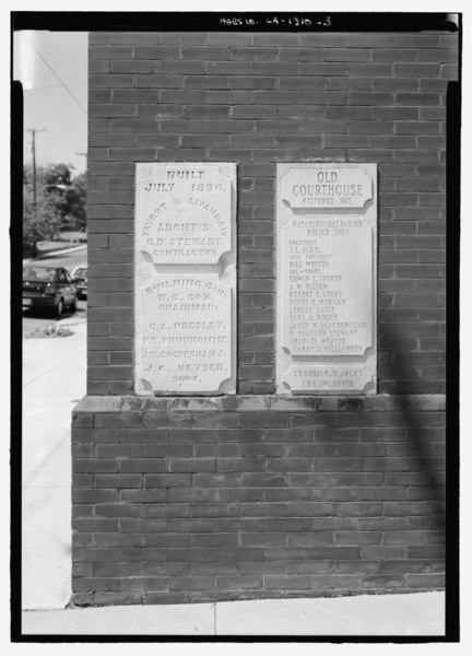 File:Detail view of southeast corner to show dedication stones - Courthouse, 600 Second Street, Natchitoches, Natchitoches Parish, LA HABS LA-1310-3.tif