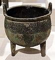 Dinastia shang, tripode rituale per cucinare (ding), periodo anyang, xiv-xiii secolo ac ca.jpg