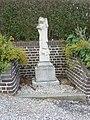 Dohem (Pas-de-Calais, Fr) statue Saint Michel.JPG