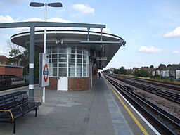 Dollis Hill stn look east