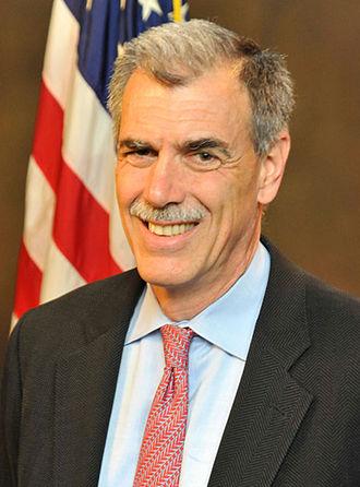 Donald B. Verrilli Jr. - Image: Donald Verrilli DOJ Portrait
