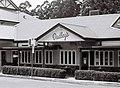 Dudley's restaurant (39094966381).jpg