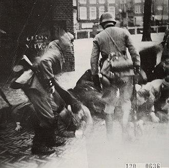 February strike - German soldiers at the Jonas Daniël Meijerplein during the raids