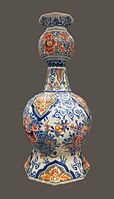 Duyn Gourd-shaped vase with lambrequin pattern.jpg