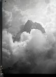ETH-BIB-Grosse Windgällen, im Wolkenmeer v. O. aus 3200 m-Inlandflüge-LBS MH01-006344.tif