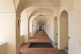 Eberndorf Stiftsgebäude Nord-Trakt Erdgeschoß Arkadengang 28082018 4330.jpg