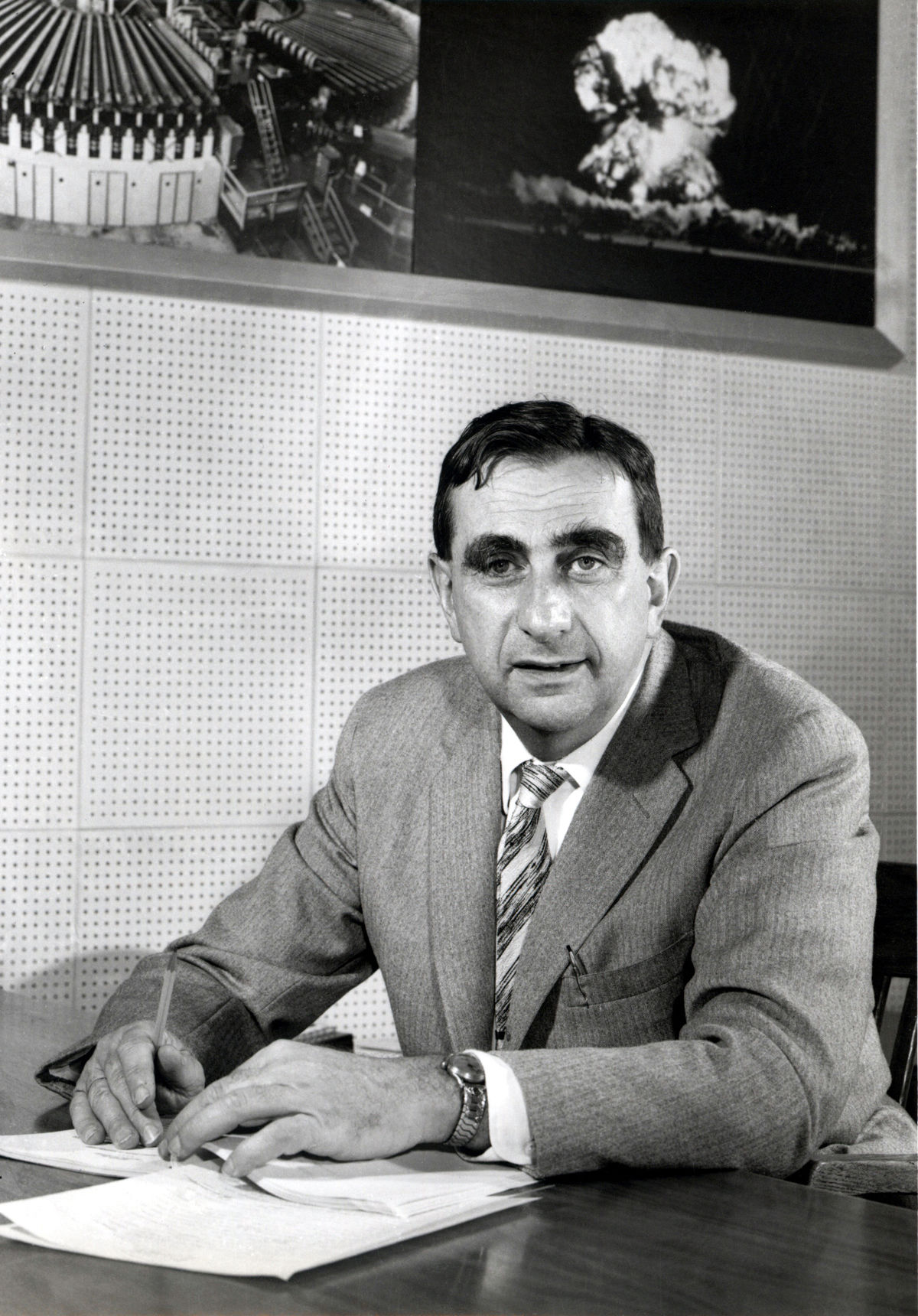 Dr. Edward Teller - The Size And Nature Of The Universe - The Theory Of Relativity