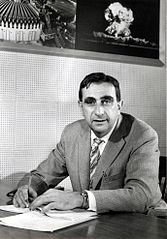 http://upload.wikimedia.org/wikipedia/commons/thumb/e/ef/EdwardTeller1958_fewer_smudges.jpg/167px-EdwardTeller1958_fewer_smudges.jpg