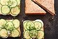 Eier-Gurken-Sandwiches mit Senfcreme (5643836292).jpg
