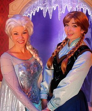 Frozen (franchise) - Image: Elsa Anna Frozen