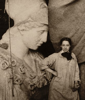 Enid Yandell - Enid Yandell with her sculpture of Pallas Athena, 1896