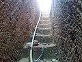 Escalier de pompe de forage - panoramio.jpg