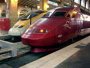 Eurostar and Thalys PBA side-by-side in Paris Gare du Nord.