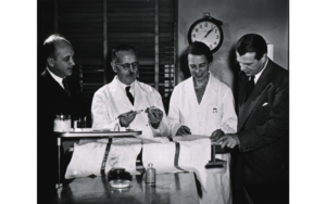 Evelyn M. Anderson - Evelyn Anderson with William Sebrell, Bernardo Houssay and Floyd Doft