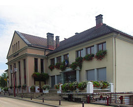 The town hall in Exincourt