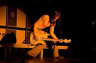 Nuno Bettencourt musician, singer-songwriter, guitarist