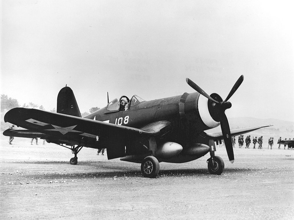 1024px-F4U-1D_of_VMF-322_at_Kadena_1945.jpg