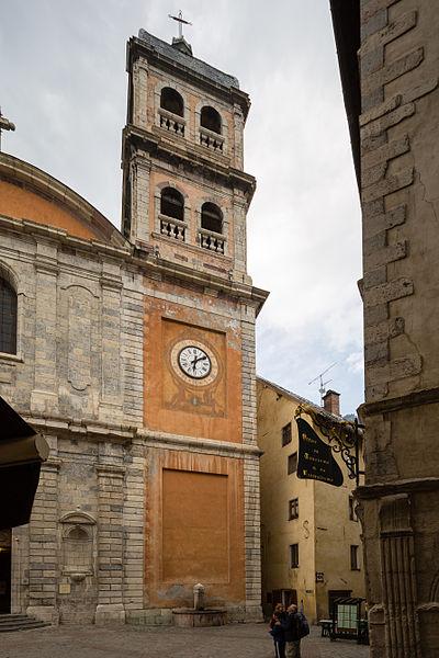 Français:  Façade de l'église Notre-Dame-et-Saint-Nicolas de Briançon (France).