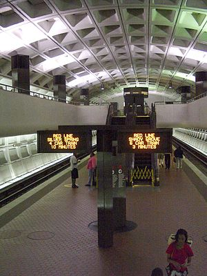 Farragut North Station.jpg