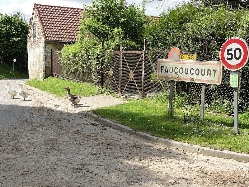 Faucoucourt (Aisne) city limit sign