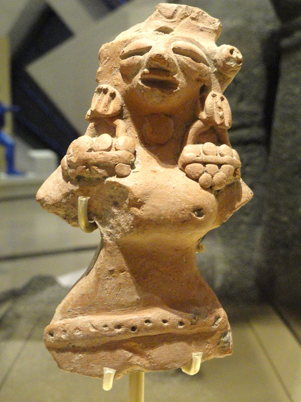 Female figure, possibly a fertility goddess, Indus Valley Tradition, Harappan Phase, c. 2500-1900 BC - Royal Ontario Museum - DSC09701